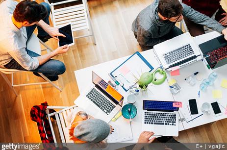 Jak skutecznie zarządzać zespołem kancelarii?