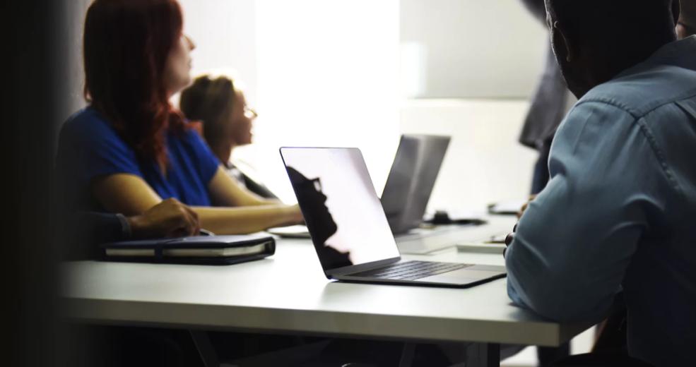 Motywowanie pracowników − czyli jak stworzyć idealny zespół w kancelarii